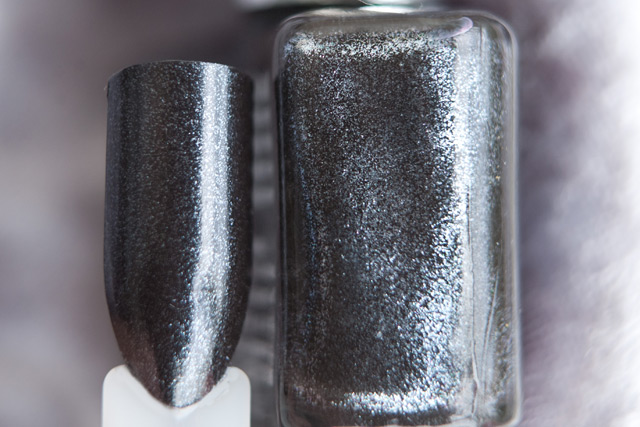 EL Corazon Glamour 722 OPI Baby It's Coal Outside