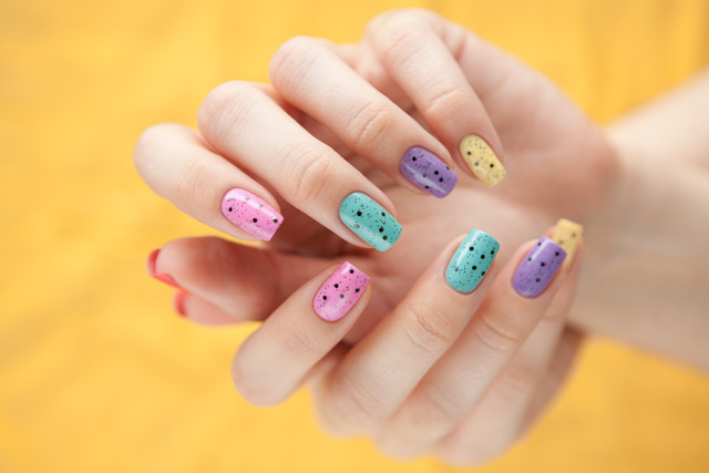 multicolored_manicure_9