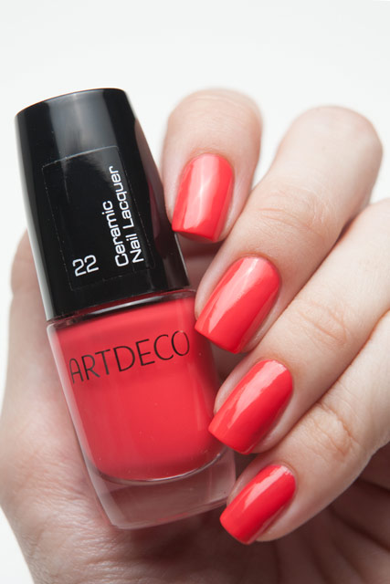 ARTDECO 22 Red Shadows