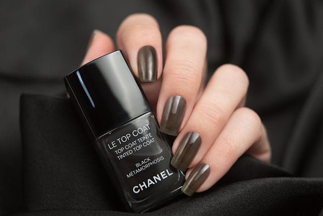 Chanel Le Top Coat Tinted Top Coat Black Metamorphosis | Coco Codes collection | Spring Summer 2017