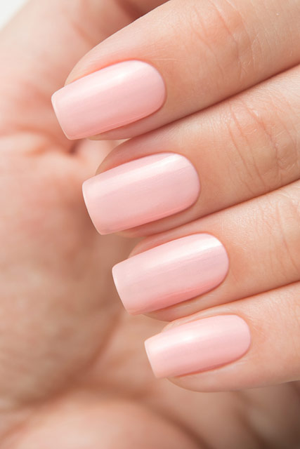 China_Glaze_83777_Eat_Pink_Be_Merry_02