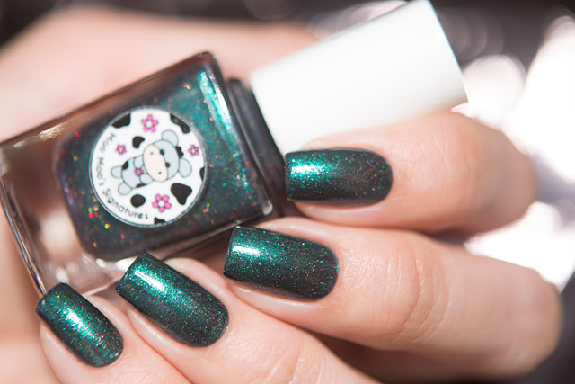 MooMooPolish_Dark_Balance_04