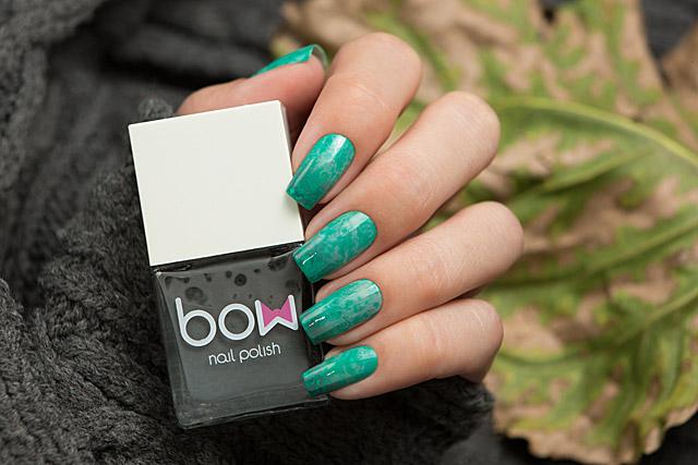 Yin Yang Blur | Bow Nail Polish