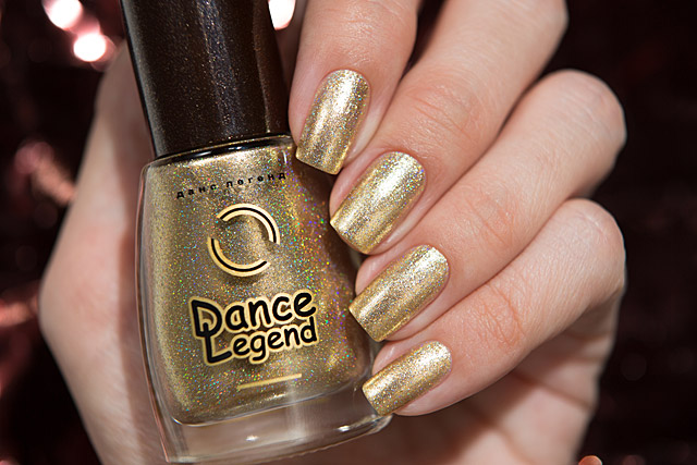 04 Breaking Gingerbread | Dance Legend Poinsettia collection