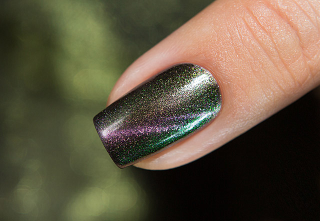 Omen | Bow Nail Polish Magnetic Fall 2019 collection
