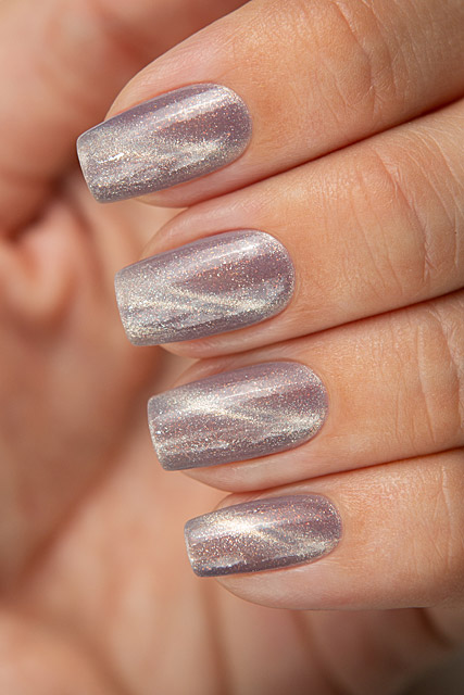 Pressure Point | Bow Nail Polish | Magnetic | Diamond LE collection