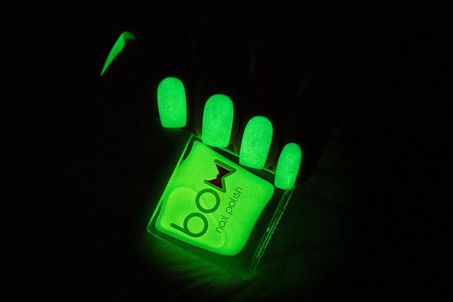 Luminous | Bow Nail Polish